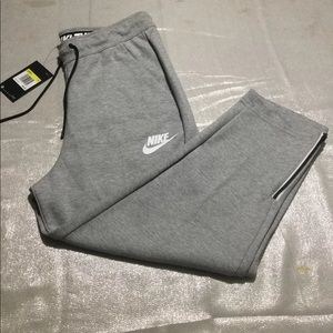 Nike Pants - SMALL NIKE ADVANCE 15 ZIPPERED CAPRIS NWT